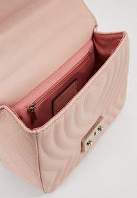 Seidenfelt - OTTA - Across body bag - rose - 5