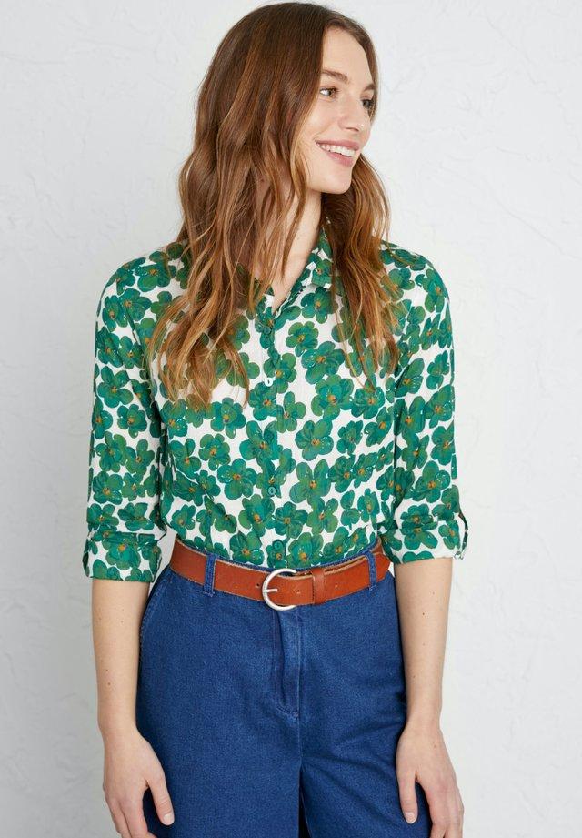 LARISSA - Koszula - green