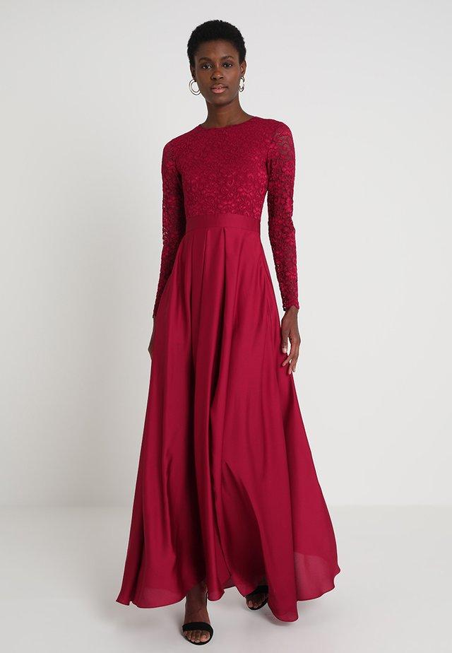 Společenské šaty - weinrot