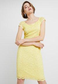 Swing - Koktejlové šaty/ šaty na párty - yellow - 0