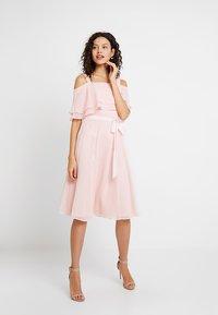 Swing - Robe de soirée - peach-pink - 2