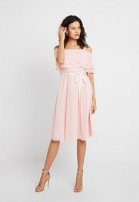 Swing - Robe de soirée - peach-pink - 0