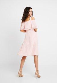 Swing - Robe de soirée - peach-pink - 3