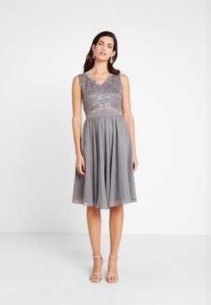 Koktejlové šaty/ šaty na párty - grau