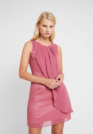 Sukienka koktajlowa - cassis