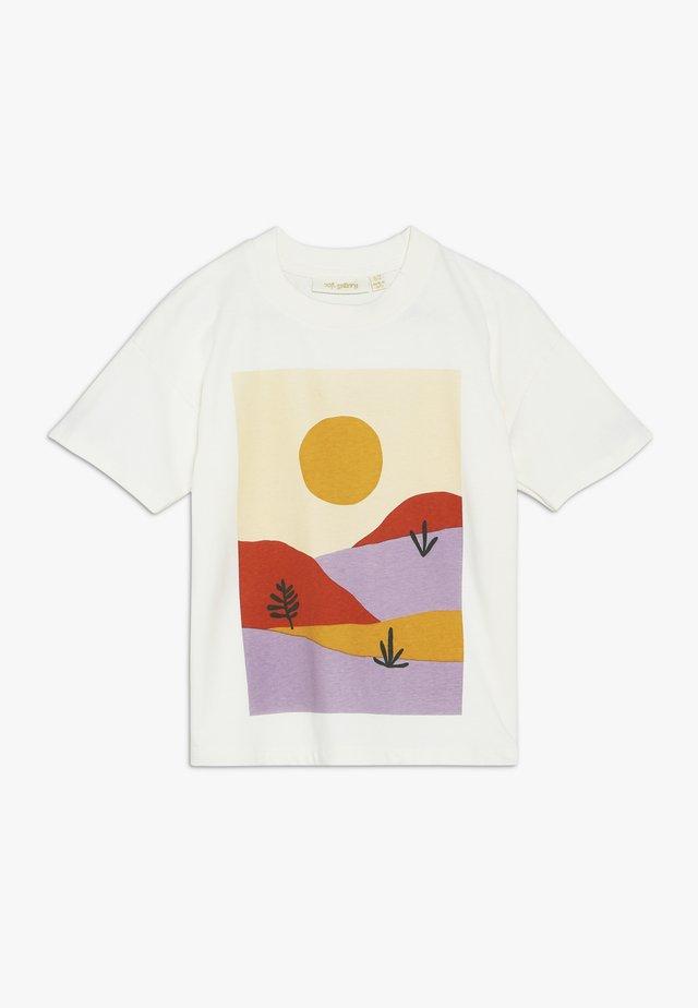 DHARMA SCENERY - T-shirt med print - gardenia