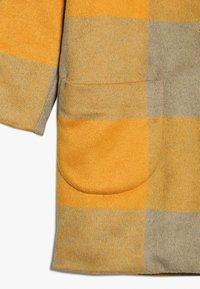 Soft Gallery - EVELEEN JACKET - Classic coat - golden - 3