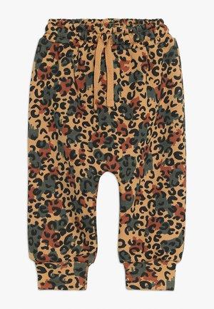 KARL PANTS - Pantalones - beige