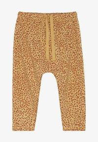 Soft Gallery - HAILEY PANTS LEO SPOT - Spodnie materiałowe - taffy - 2