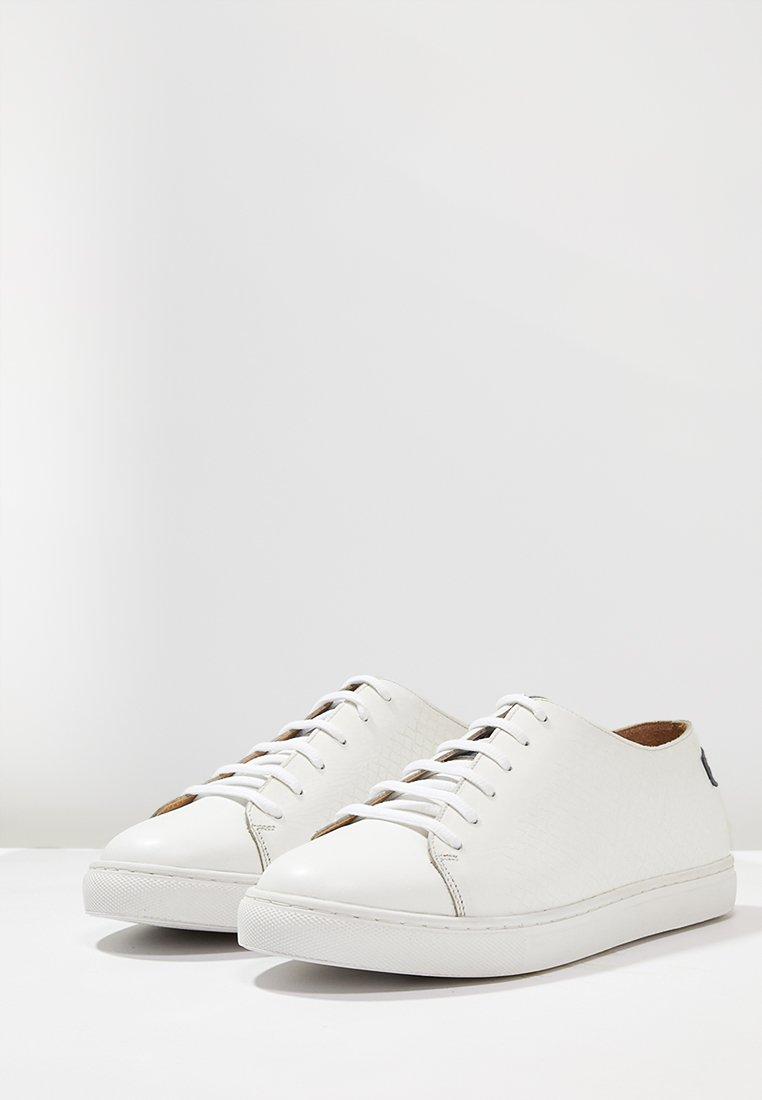 Shoot Sneakers - white/navy