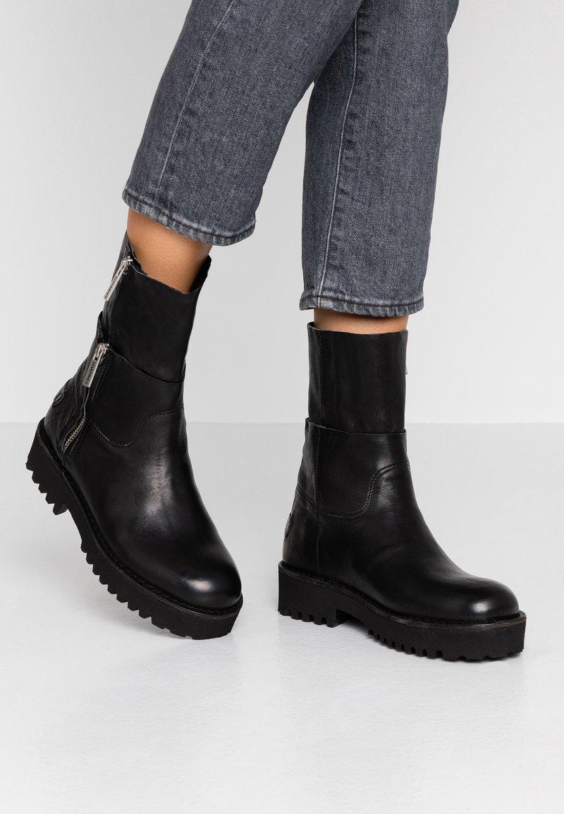 Shabbies Amsterdam - Platform ankle boots - black