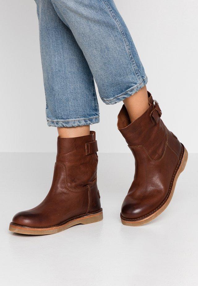 Stiefelette - brown