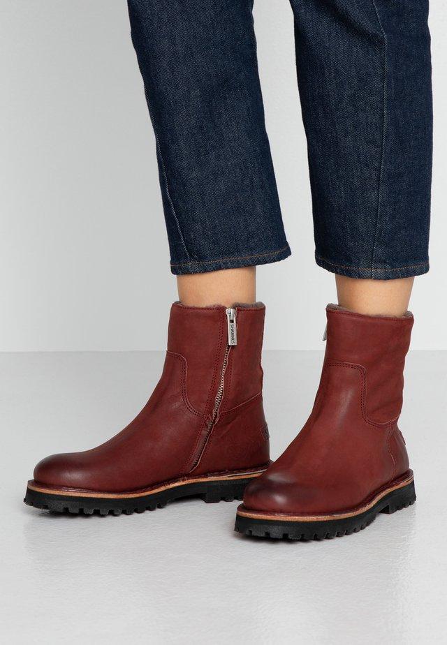 Kotníkové boty na platformě - rot/braun