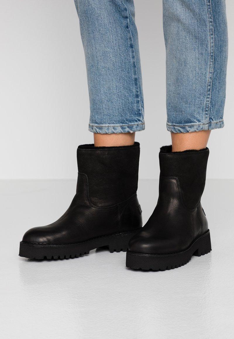 Shabbies Amsterdam - Winter boots - black