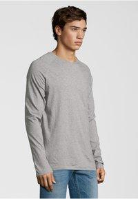 Shirts for Life - LONGSLEEVE ANTON  - Long sleeved top - grey melange - 2