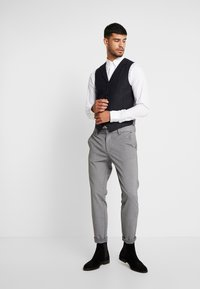 Shelby & Sons - BARTLEY WAISTCOAT - Smanicato - charcoal - 1