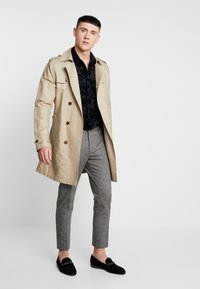 Shelby & Sons - TAPERED TROUSER - Kalhoty - grey - 1
