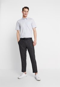 Shelby & Sons - GIB TAPERED - Bukse - charcoal - 1
