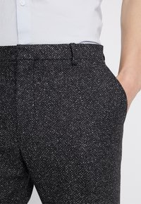 Shelby & Sons - GIB TAPERED - Kalhoty - charcoal - 4