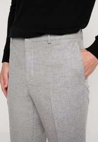 Shelby & Sons - THIRSK TROUSER - Kalhoty - whtie grey - 3