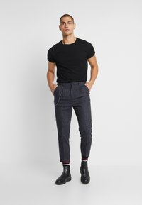 Shelby & Sons - BRIGG TROUSER - Trousers - navy - 1