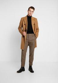 Shelby & Sons - KNIGHTON TROUSER - Pantaloni - brown - 1