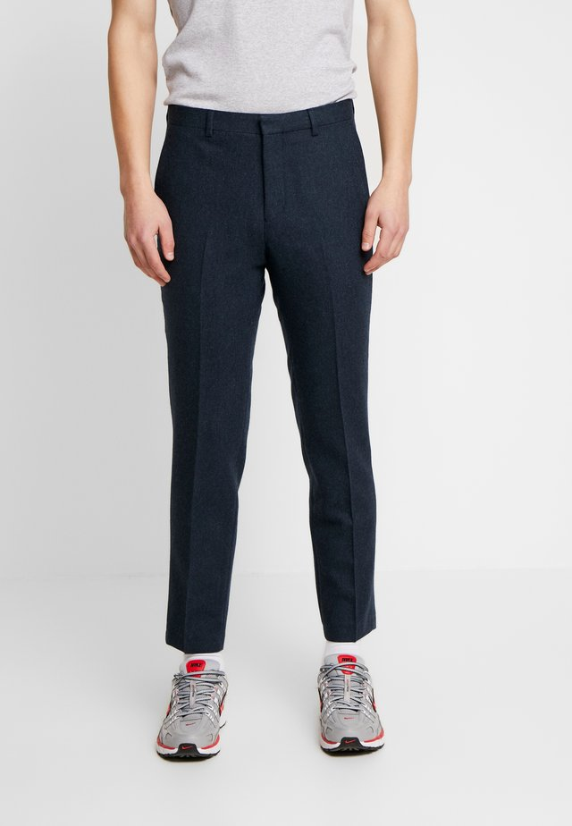 BEMBRIDGE TROUSER - Bukse - navy