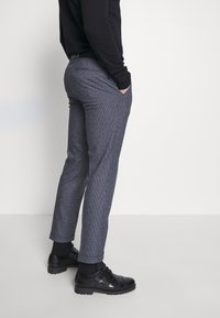 Shelby & Sons - AMBROSE TROUSER - Trousers - navy - 4