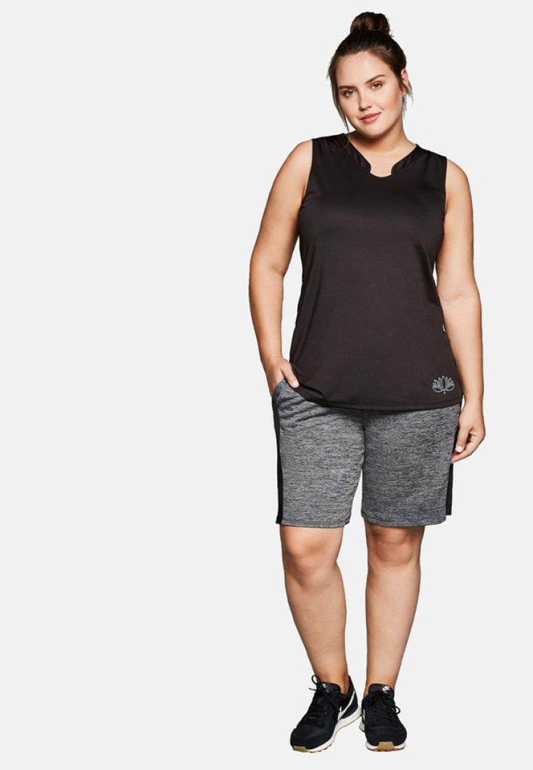 Sheego - Shorts - grau meliert