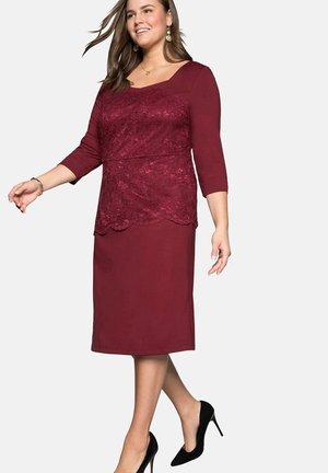 Cocktail dress / Party dress - rubinrot