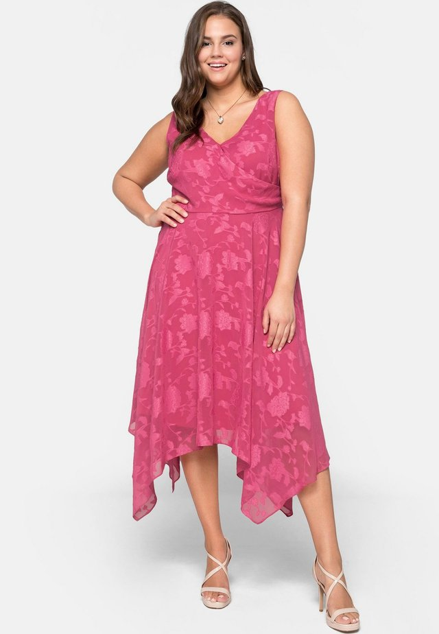 Cocktail dress / Party dress - rosewood