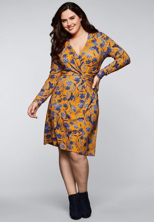 BY JOE BROWNS - Jersey dress - curry bedruckt