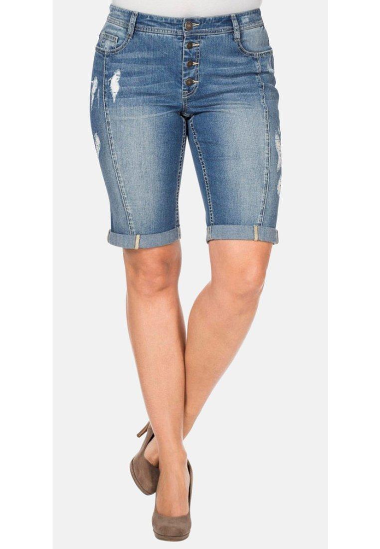 Sheego - Jeans Shorts - light blue denim