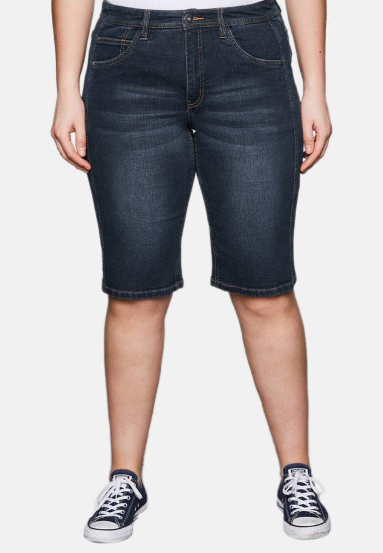 Sheego - Jeans Shorts - dark blue denim
