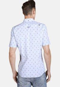 SHIRTMASTER - THEWANDERER - Shirt - light blue - 1
