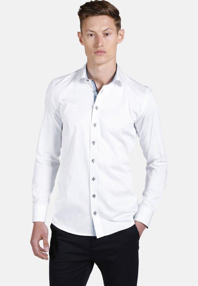 LEAVES FALLING - Zakelijk overhemd - white