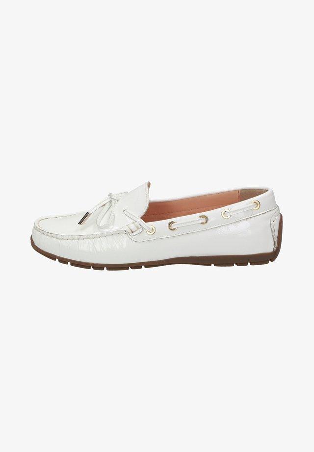 CARMONA - Chaussures bateau - white
