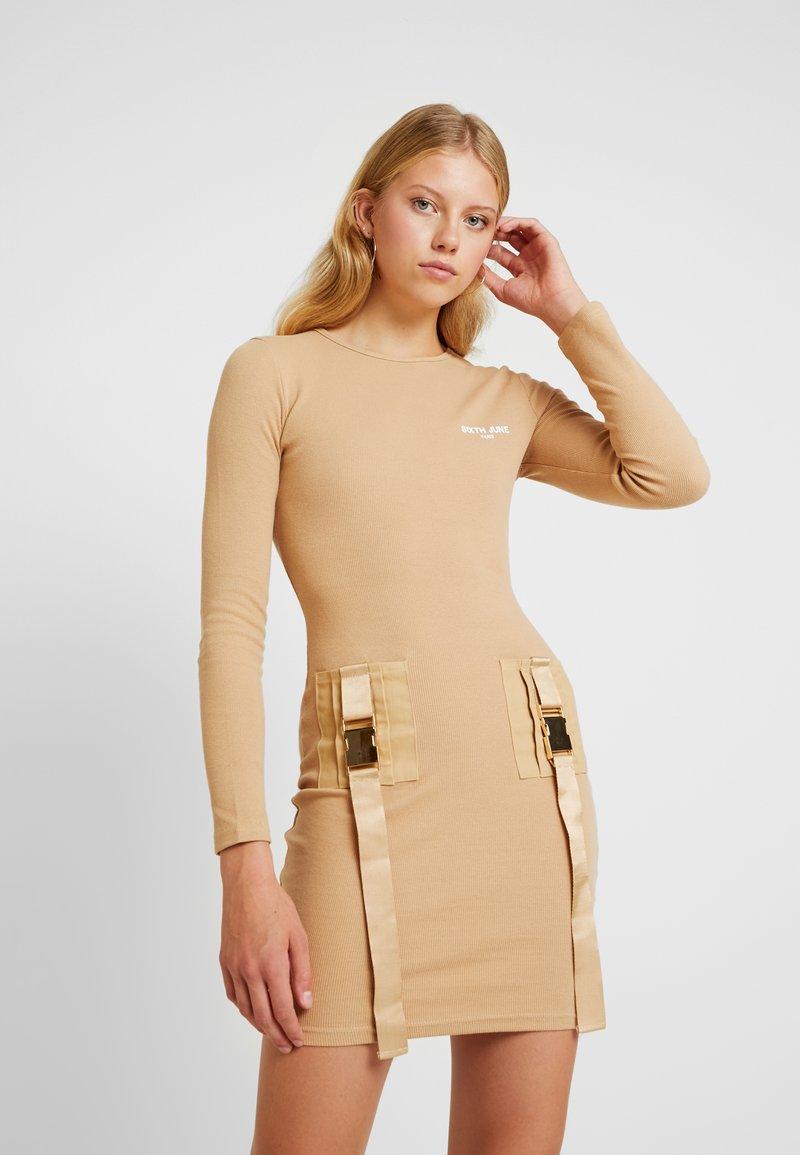 Sixth June - Pouzdrové šaty - camel