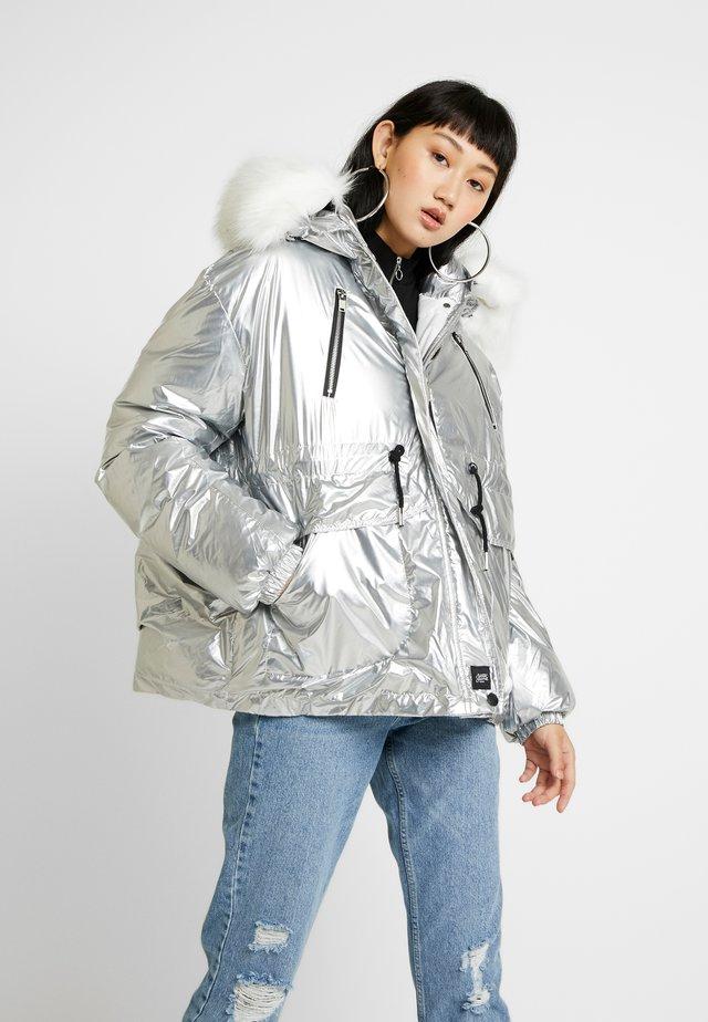 PUFFER HOOD - Winter jacket - silver
