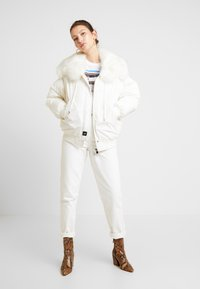 Sixth June - JACKET WITH DOUBLE POCKET AND ON THE HOOD - Talvitakki - white - 1