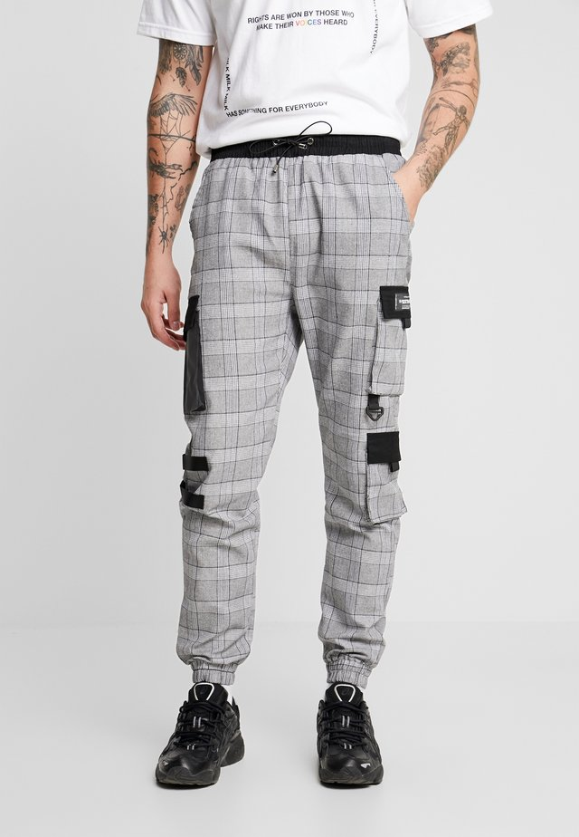 WALES PANTS - Reisitaskuhousut - grey