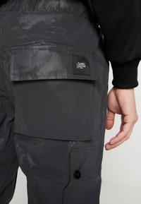 Sixth June - REFLECTIVE CARGO PANTS - Pantaloni cargo - black - 3