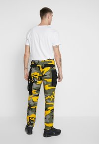 Sixth June - PANTS CAMO - Pantalon cargo - yellow - 2