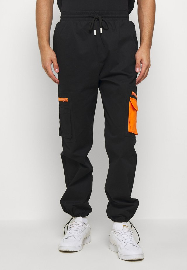 PANT WITH REFLECTIVE POCKETS - Cargo trousers - black
