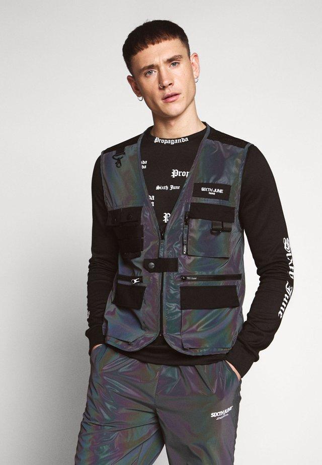 IRIDESCENT UTILITY VEST - Vest - black
