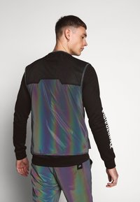 Sixth June - IRIDESCENT UTILITY VEST - Väst - black - 2