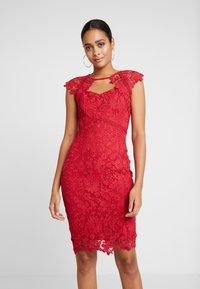 Sista Glam - MAZZIE - Vestido de cóctel - red - 0