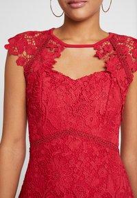 Sista Glam - MAZZIE - Vestido de cóctel - red - 6