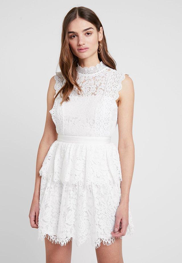 YULIENE - Cocktailklänning - white