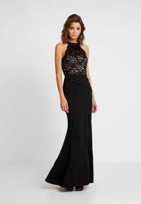 Sista Glam - KAYTI - Vestido de fiesta - black/nude - 0